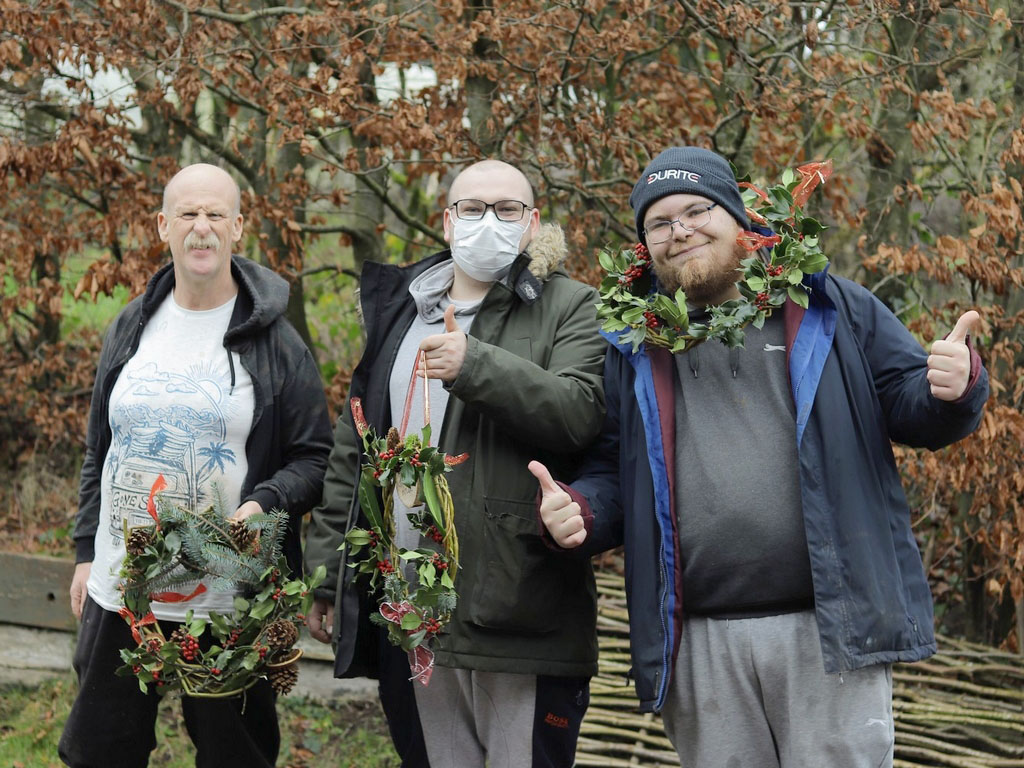 202012 DS WreathMaking 6